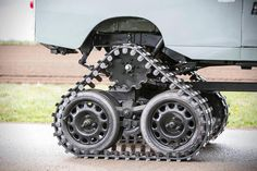 Conquer Everything In This Insane Off-Road Tank-Treaded Land Rover 4x4, Cool Things To Build, Drift Trike, Atv Accessories, Expedition Vehicle, Luxury Suv, Chenille, Go Kart, Land Rover Defender