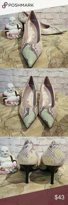 Kenneth Cole New York  Snakeskin Heels Made Italy Beautiful Kenneth Cole Snakeskin Heels in EUC Worn Only Twice... Perfect for Easter and Spring Dresses... Come With Bag no box... Size 7 1/2 Kenneth Cole Shoes Heels