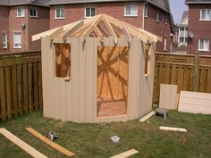 backyard shed ideas Backyard Plan, Backyard House, Backyard Sheds, Backyard Retreat, Outdoor Sheds, Outdoor Rooms, Backyard Paradise, Corner Summer House, Summer House Garden