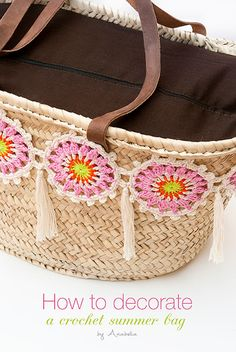 Customized summer bag with crochet motifs, free pattern by Anabelia Craft Design ☂ᙓᖇᗴᔕᗩ ᖇᙓᔕ☂ᙓᘐᘎᓮ http://www.pinterest.com/teretegui