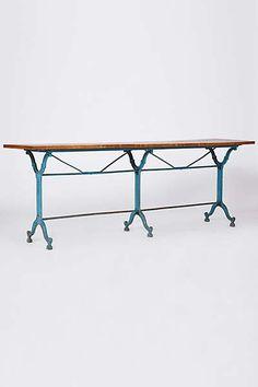 Auvergne Table