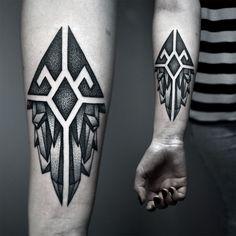 unterarm tattoo ideen-frau-innenseite-geometrisch-kristallen