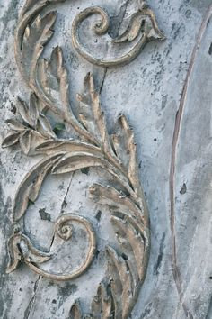 detail of gold and faded blue patina. Annie Sloan has made this look easy to accomplish with her Chalk Paint. I'd probably use a dark (Aubusson) and light (Louis) blue, maybe a little Old White on the high spots. It's all in the details.
