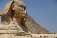 Private Cairo, Aswan, and Nile Cruise with Flights Tour Eiffel, Camping Au Quebec, Giza Egypt, Famous Monuments, Nile River, Domestic Flights, Ancient Aliens, Luxor, Day Tours