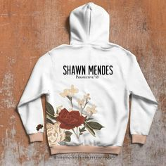 Shawn mendes в 2019 г. Shawn Mendes Clothes, Shawn Mendes Merch, Shawn Mendes Imagines, Mendes Army, Shawn Mendes Wallpaper, Casual Hijab Outfit, Hoodies, Sweatshirts, Beautiful Outfits