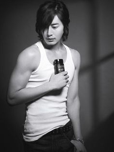 Lee Philip from 'Secret Garden' showed off his muscular body. Modeling for hair care brand Kerastas Homme, Lee Philip showed off his luxurious and sexy poses for the photo shoot. Asian Celebrities, Asian Actors, Korean Actors, Hair Care Brands, Asian Men, Asian Guys, Korean Men, Asian Hair, Kdrama Actors