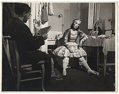 Citation: Moses Soyer and model, ca. 1945 / unidentified photographer. Moses Soyer papers, Archives of American Art, Smithsonian Institution.
