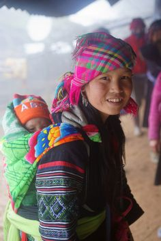 H'mong hilltribe girl with baby by JJ Doro -- Sapa Vietnam H'mong hilltribe girl We Are The World, People Around The World, Beautiful World, Beautiful People, Happy Baby, Mothers Love, Mother And Child, World Cultures, Beautiful Children