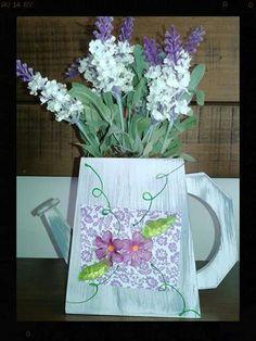 Vaso em mdf com flores
