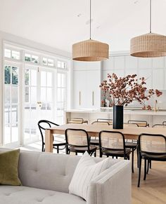 Instagram Dining Room Inspiration, Home Decor Inspiration, Modern Dinning Room Ideas, Modern Dining Room Chairs, Chairs For Dining Table, Daining Table, Dining Table In Living Room, Diningroom Ideas, Mismatched Dining Chairs
