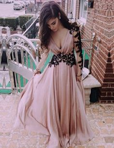 Fashion V-neck Appliques Long Sleeves Pink Prom Dress Evening Gown