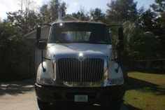 Make:  International Model:  1652 Year:  2006 Body Style:  Tractor Exterior Color: White Interior Color: Gray Vehicle Condition: Excellent  For More Info Visit: http://UnitedCarExchange.com/a1/2006-International-1652-473472073317