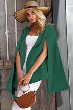 Capa Nairobi Verde • Chic Diva  realizata din stofa cu 20% lana - tine de cald usor de asortat casual o poti purta la orice Bell Sleeves, Bell Sleeve Top, Hair Beauty, Superhero, Women, Fashion, Cape Clothing, Green, March