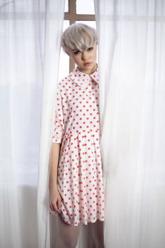 Big Collar Dot Dress   http://www.thewhitepepper.com/collections/new-in/products/big-collar-dot-dress – avec Ellie Fox.