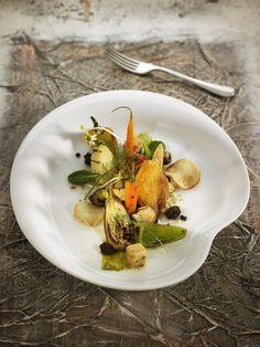 Contrastes de verduras a la parrilla con mijo y tofu crujiente | Claudia & Julia