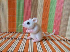 Plstěná bílá myš