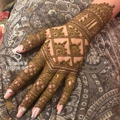 Bridal Henna  For rates and availability contact us at: sonikashennaart@gmail.com 1 778 982 1777 All my videos are now on YouTube: click the link in my bio to Subscribe! Follow us on snapchat @ sonikaverma   Sonikas Henna Art. Repost and recreate with credits.  #henna #mehndi #hennadesign #bridalhenna #mehndidesign #vegas_nay #hennavideo #hennaart #hennatattoo #mehndiartist #indianwedding  #punjabibride #indianbride #surrey #vancouver #surreywedding #vancouvermehndiartist #hennaartist…