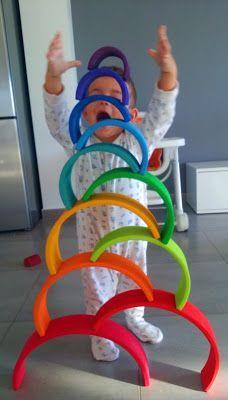 El mundo con Ó: Arcoiris Waldorf. Tarjetas imprimibles. Montessori Room, Montessori Activities, Infant Activities, Activities For Kids, Grimm's Toys, Baby Toys, Kids Toys, Grimms Rainbow, Rainbow Activities