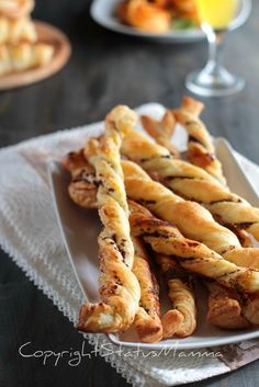 Beef Skillet Recipe, Skillet Meals, Skillet Recipes, Tapas, Fancy Appetizers, Olive, Antipasto, Onion Rings, Snacks