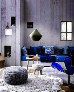 Ruang Tamu nyaman didesain dengan interior yang amazing.