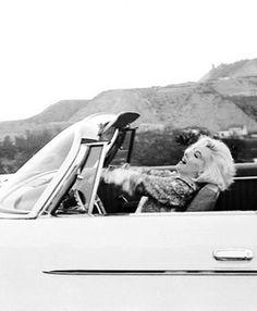 Marilyn Monroe- top down.  My kind of girl.