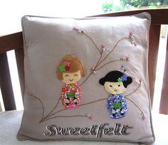♥♥♥ Para quem ♥ Kokeshi.... by sweetfelt \ ideias em feltro, via Flickr