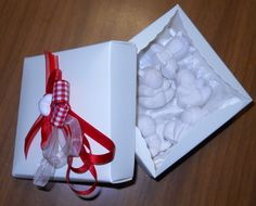 cans perfumers Gift Wrapping, Canning, Gifts, Paper Wrapping, Wrapping Gifts, Gift Packaging, Favors, Presents, Gift