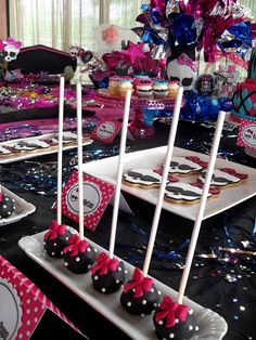 CupcakesHouse – Monster High Party                                                                                                                                                     More