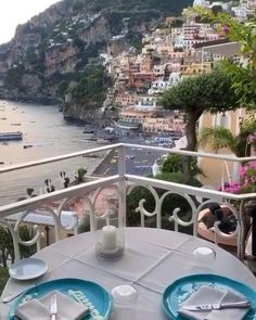 Almafi Coast Italy, Positano Italy, Sorrento Italy, Vacation Places, Dream Vacations, Places To Travel, Amalfi Coast Hotels, Travel Aesthetic, Beautiful Places To Visit