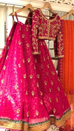 Pakistani Mehndi Dress, Pakistani Fashion Party Wear, Pakistani Formal Dresses, Indian Bridal Fashion, Pakistani Wedding Dresses, Pakistani Suits, Salwar Suits, Asian Fashion, Asian Bridal Dresses