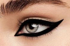If Marilyn Monroe, Sophia Loren, and Amy Winehouse are any indication, the classic cat eye has been trending for decades. And although we love a simple, unfussy flick, there are many ways to up the dr #Wingedliner
