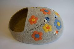 Cat house Spring cat felting bed cave cocoon.
