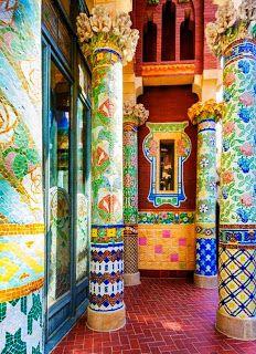 Rica ornamentación del Palau de la Música Catalana, #Barcelona http://www.viajarabarcelona.org/lugares-para-visitar-en-barcelona/palau-de-la-musica-catalana-de-barcelona/ #Modernismo