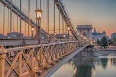 The Szechenyi Chain Bridge (Budapest, Hungary) — Stock Fotó