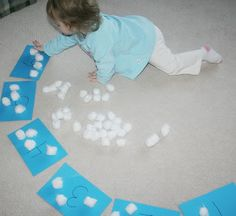 Counting Clouds activity - great for learning to count and would work well with lesson on God creating the sky. by angelia Preschool Weather, Weather Crafts, Weather Activities, Preschool Classroom, Preschool Learning, In Kindergarten, Preschool Crafts, Fun Learning, Toddler Activities