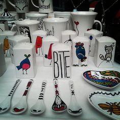 Los espero con algunas cosas a todo color, en @feriaurbanachile #art #artwork #creations #delutonew #deluto #fullcolor #goth #handmade #new #mug #saltshaker #salt #spoon #darkspoon #teaparty #working #cineartealameda #feriaurbana