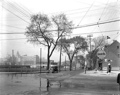 Laurier street at Nicholas street looking north-east in 1938 Street Look, Street View, University Of Ottawa, Photo Archive, Vintage Photos, Past, Ottawa Ontario, Canada, Places