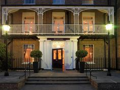 Set in a prime location of London, The Richmond Hill Hotel puts everything the city has to offer just outside your doorstep. Offering a variety of facilities and services, the hotel provides all you need for a good night's sleep. Richmond Hill Hotel, Richmond Park, Richmond Upon Thames, Room London, Greater London, Kew Gardens, Hotel Reservations, London Hotels, Beautiful Hotels