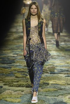 Dries Van Noten RTW Spring 2015 - Slideshow