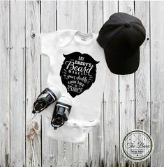 Baby Onesie® Little My Daddy's Beard makes your daddy look
