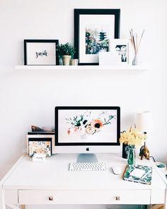 This workspace is goals! LOVING this feminine and clean home office This workspace is goals! LOVING this feminine and clean home office Home Office Space, Home Office Desks, Home Office Furniture, Office Table, Office Spaces, Office Chairs, White Desk Living Room, Workspace Desk, Desk Space