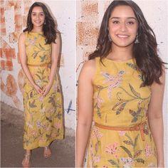 Biggest Trends In Women S Fashion Western Dresses, Western Outfits, Indian Dresses, Indian Outfits, Sonam Kapoor, Deepika Padukone, Skirt Fashion, Fashion Outfits, Style Fashion