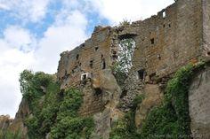Italy - Soriano nel Cimino (Viterbo) - fraz. di Chia - Dead village - La città disabitata - Photo M. Pesci (09-2010) - © All rights reserved - Tesori del Lazio