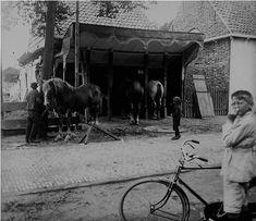 Smederij gebr. van Eijzeren aan de Weststraat Vervaardiger Feen, P. van der Plaats Domburg Datering 1926-