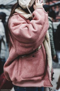 NYFW-New_York_Fashion_Week-Fall_Winter-17-Street_Style-Pink_Vintage_Jacket-
