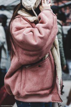 NYFW-New_York_Fashion_Week-Fall_Winter-17-Street_Style-Pink_Vintage_Jacket-