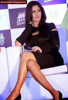 Hot Bollywood Gifs: Katrina Kaif Stunned All Her Fans With These Hot Pics. Beautiful Bollywood Actress, Beautiful Indian Actress, Indian Fashion Trends, Indian Star, Vogue India, English Actresses, Katrina Kaif, Indian Celebrities, Bollywood Fashion