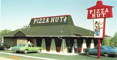 Old school Pizza Hut. Thin N Crispy sausage pizza and a pitcher of Dr. Their pizza was so much better back then. Sweet Memories, Childhood Memories, 1970s Childhood, School Memories, Childhood Toys, Checkered Tablecloth, Vintage Restaurant, Restaurant Logos, Restaurant Recipes