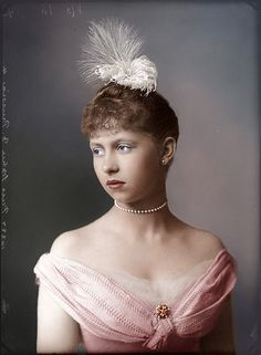 Kaiser Wilhelm II's sister Queen Sophie of Greece (nee Princess Sophie of Prussia), This is an exceptionally lovely restoration and colorization. Victorian Portraits, Victorian Photos, Victorian Women, Victorian Fashion, Vintage Photos, Victorian Era, Princess Victoria, Queen Victoria, Greek Royalty