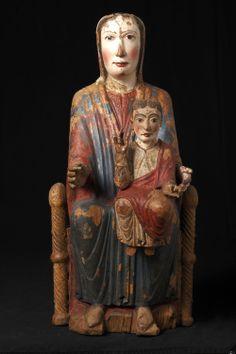Corneilla de Conflent romane vierge après restauration Madonna Art, Lady Madonna, Madonna And Child, Blessed Mother Mary, Mystique, Effigy, Medieval Art, Romanesque, Religious Art
